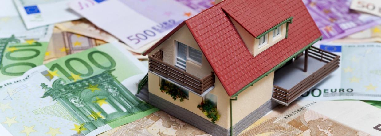 Model huis op euro biljetten